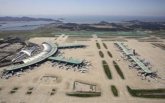 하루 30만명 찾는 인천국제공항, 몇 대나 뜨고 내릴까?