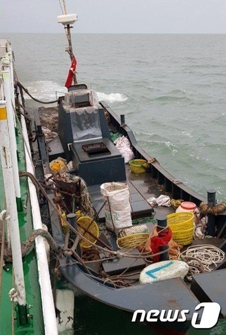 우리 영해 침범한 게릴라식 중국 불법 어선 3척