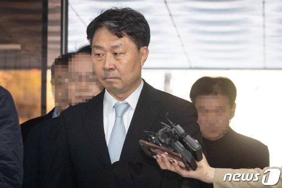 """'가습기살균제' 피해자들 """"안용찬 前애경 대표 영장기각 안돼"""""""