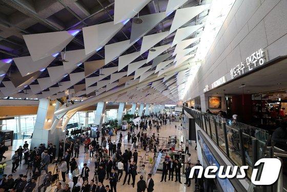 '김포공항 가짜 폭발물'.. 가방 안에 들어있던 뜻밖의 물건