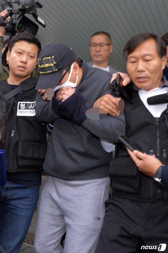 '성추행 알렸다'며 의붓딸 살해 30대 영장심사…'묵묵부답'