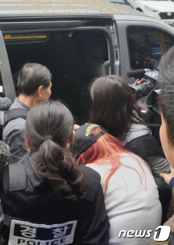 '의붓딸 살인' 공범 친엄마, 혐의 인정하면서 숨진 친딸에게 전한 말
