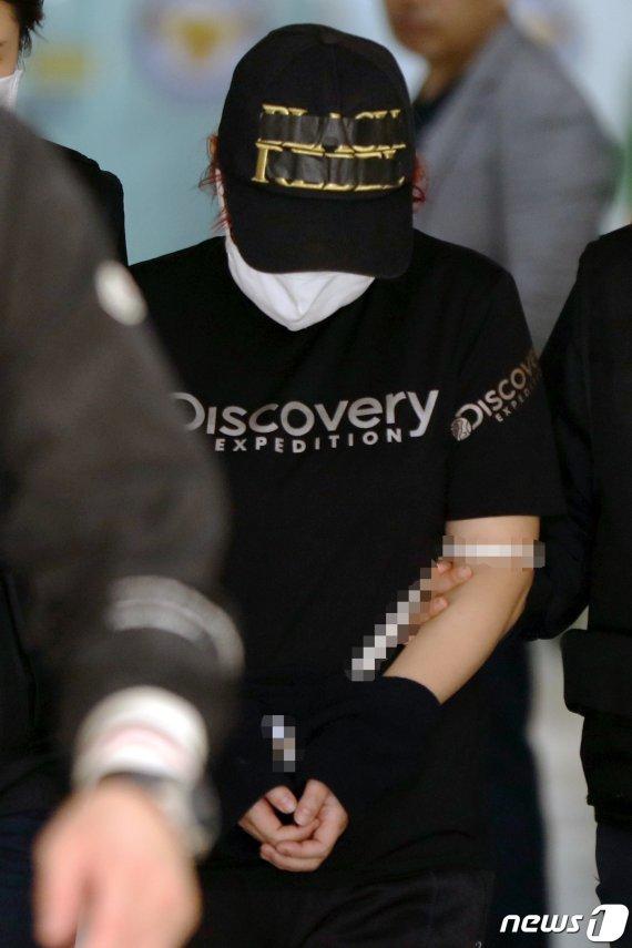 """""""말리지 못해 미안""""…'의붓딸 살인' 공범 친모 영장 기각"""