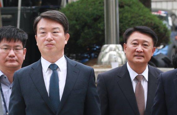 강신명 前경찰청장 구속, 이철성 기각