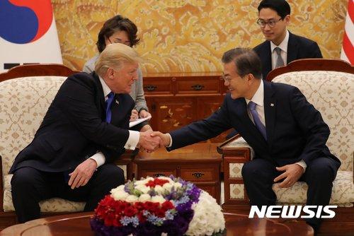 """트럼프, 6월 말 방한…靑 """"비핵화 및 한미동맹 강화 협의""""(종합)"""