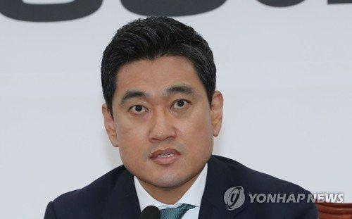 """이인영 만난 오신환 """"'맥주 잘사주는 형님' 돼 달라"""""""