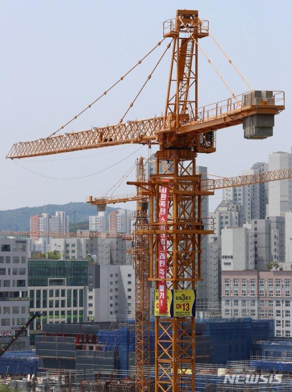 타워크레인 총파업…부산 73곳 고공농성(종합)