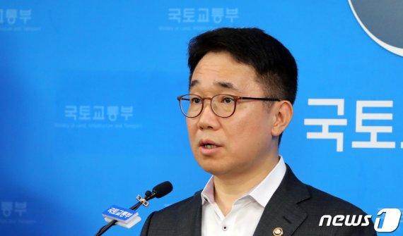 """국토부 박선호 차관 """"참여정부와 다른 상황...분양가상한제로 공급부족 없어"""""""