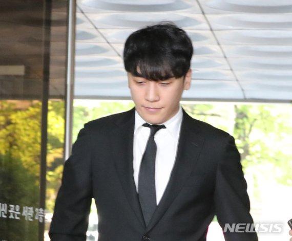 """'아오리라멘' 점주들 """"버닝썬에 매출 급감"""" vs 본사 """"관련 없어"""""""