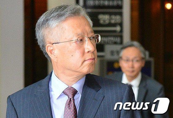 """KT임원 """"김성태 딸 채용…이석채 회장 '관심사안'이라 들어"""""""