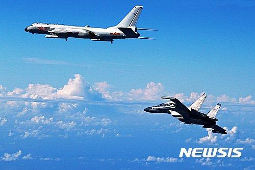 中전투기, 日 군함에 공격거리까지 접근.. 지켜볼 수 밖에 없던 일본