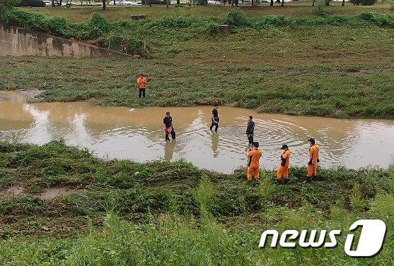 폭우로 불어난 하천서 실종된 고교생, 숨진 채 발견
