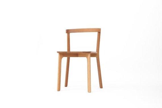 의자 앉았다 일어나기.. 이 정도 안 된다면 <건강>