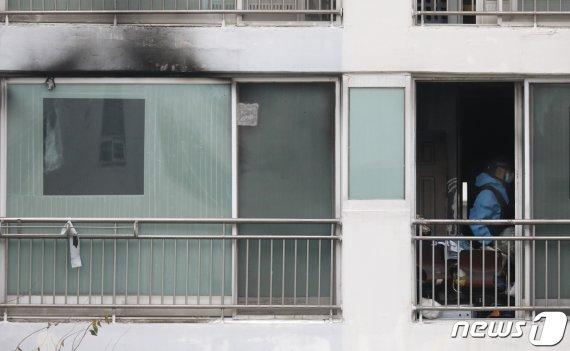 천안 아파트 화재.. 냉장고 속 모자 시신 2구 발견