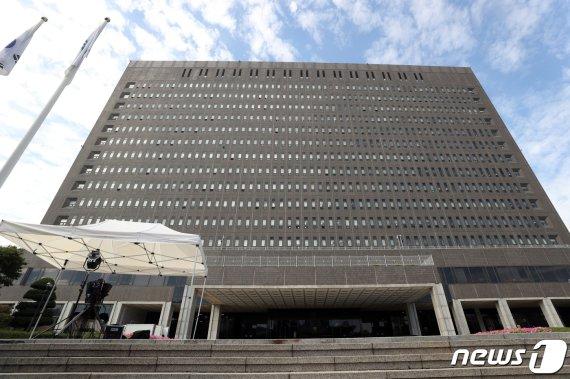 '경찰총장-유인석 연결고리' 사업가 구속영장 청구