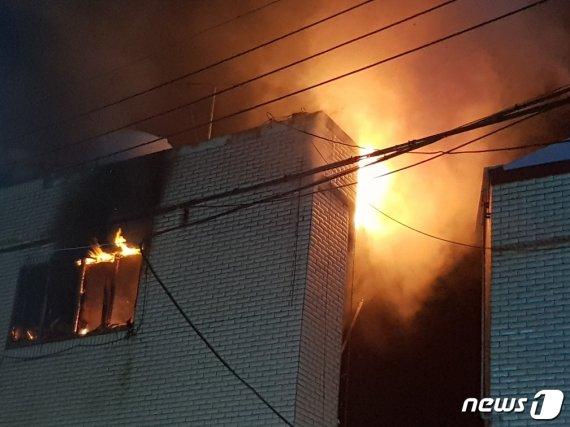 다세대주택 화재, 3층서 숨진 채 발견된 사람은..