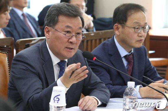 """[2019 국감] """"경영참여형 사모펀드도 이해충돌 여부 살펴야""""...인사처 """"관련규정 살펴보고 있다"""""""
