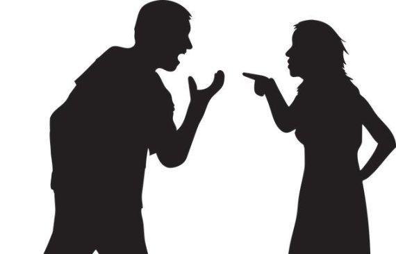 자택서 남편에게 흉기 휘두른 부인, 식당에 가서..