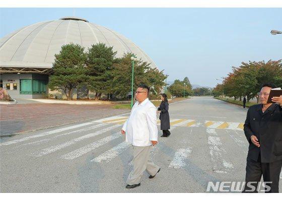 """김정은 """"금강산 사업 南 의존 잘못"""" 선 긋기…남북관계 분수령"""