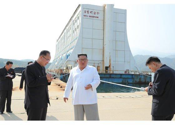 김정은의 '최후통첩'… 對南 기대 접고 금강산 독자개발 [남북관계 먹구름]