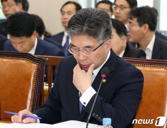 檢 '임은정 고발사건' 관련 부산지검 압수수색영장 또 반려