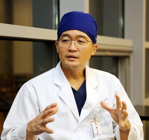 """[인터뷰] 박성수 고려대 안암병원 비만대사센터장 """"고도비만 환자 90%, 당뇨병 함께 앓아… 치료해야 할 질병"""""""