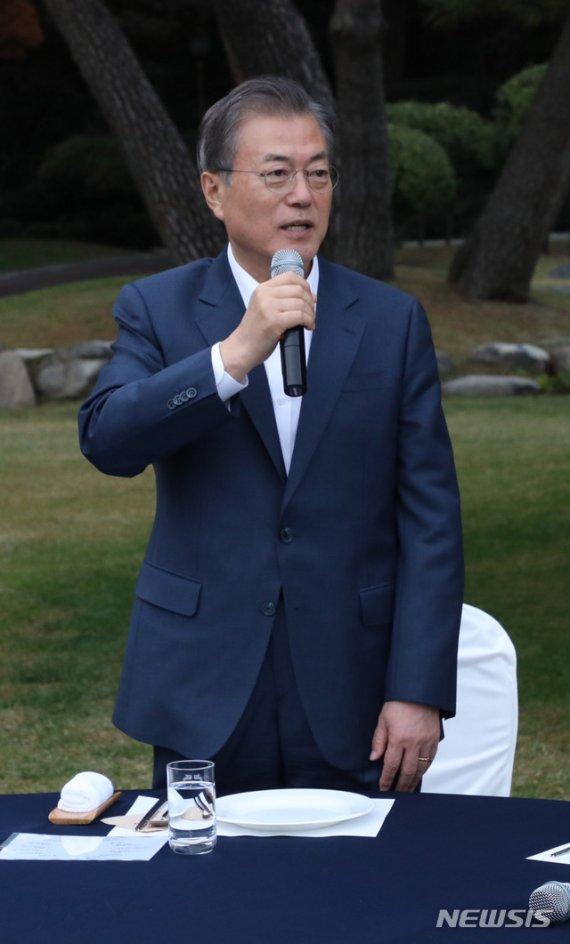 """文 """"금강산 시설 철거, 국민 정서 배치…남북관계 훼손할 수도"""""""
