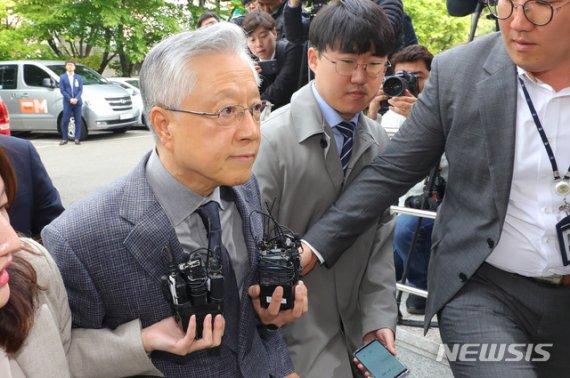 'KT부정채용' 이석채 1심 징역 1년..김성태에 영향 미칠 듯