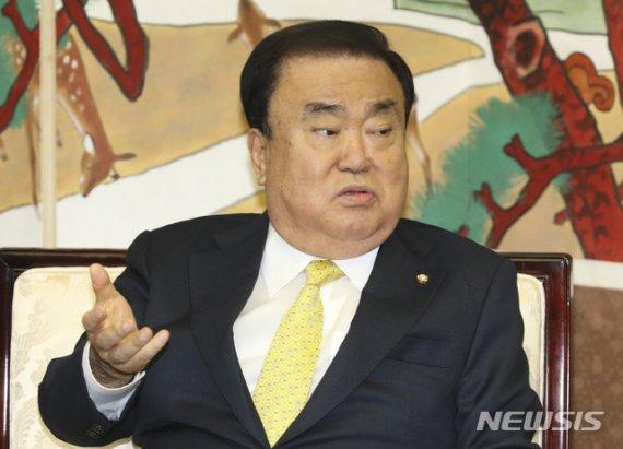 문희상 의장, '일왕 사죄 발언' 공개 사과...국회차원 '강제징용 해법' 마련