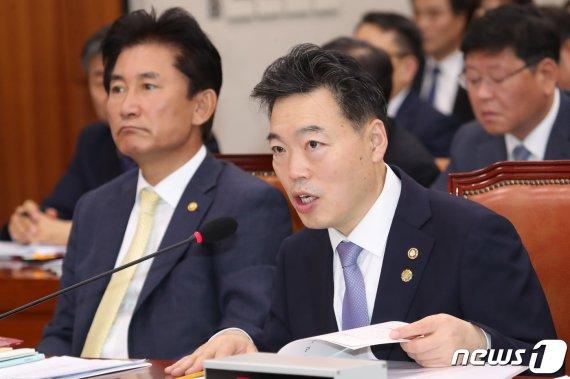 """김오수 """"'타다' 수사, 檢 고유권한…타부처 공유 어려워""""(종합)"""