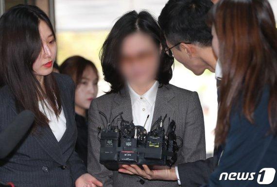 정경심, 구속만기 3일 남기고 6차 소환…조국동생 구속연장