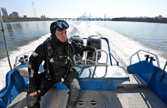 [내일을 밝히는 사람들] 자살 투신자 구조하는 한강의 파수꾼, 한강경찰대
