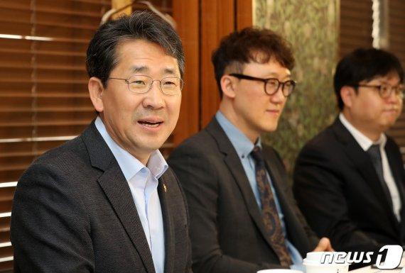 박양우 문체부 장관 잇단 친(親) 게임 행보…지스타2019 참석한다