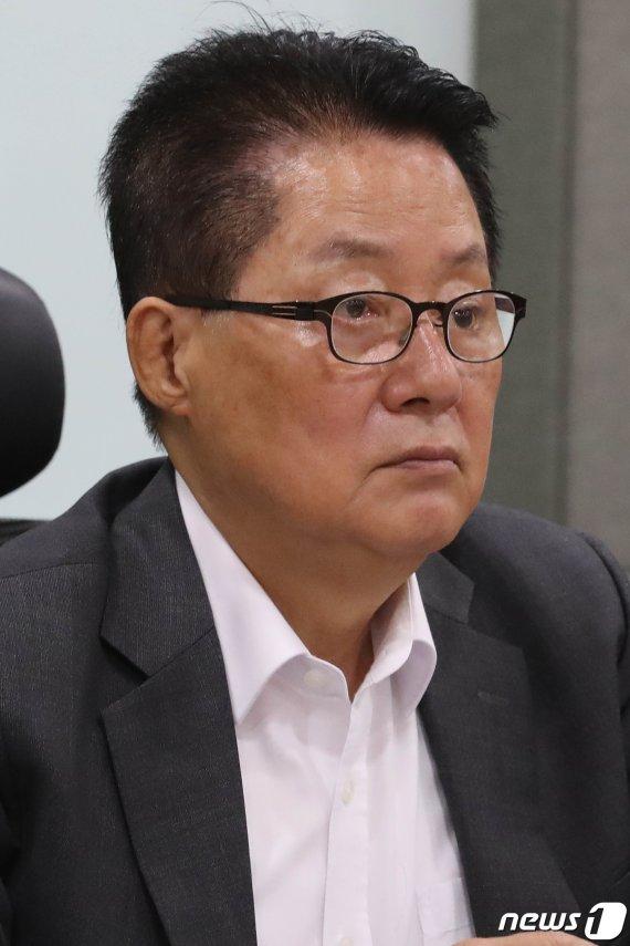 """박지원 """"선거법·檢개혁 전망 어두워…개헌도 물 건너가"""""""