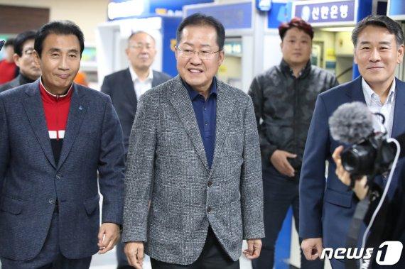 """홍준표 """"황교안, 강북 험지 출마하라…내 일은 내가 알아서 해"""""""