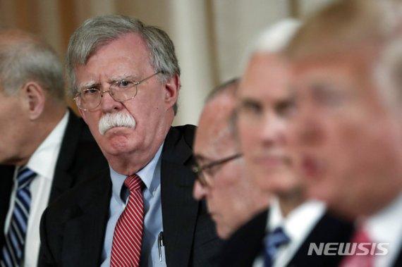 """볼턴 """"美, 트럼프 재선되면 NATO 등 국제동맹서 탈퇴할 수도"""""""