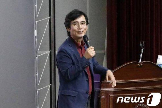 """""""검찰의 '황새식 공소장'...15번 쪼면 한번 맞지 않을까 생각"""""""