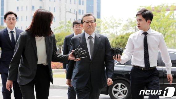 """김학의 '성접대·뇌물' 모두 무죄…金측 """"재판부에 경의""""(종합2보)"""