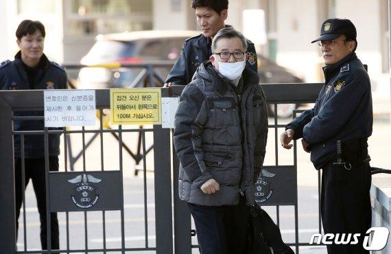 김학의, 3번째 수사 끝에 구속됐지만…6달만에 '무죄' 석방