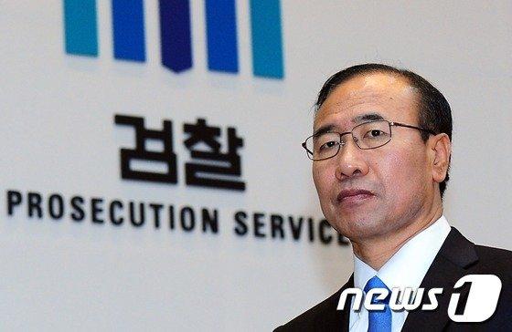 한상대 '별장 성접대 연루 의혹' 재판에 윤중천 증인신청