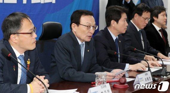 """이해찬 """"檢, 한국당에 녹슨 칼…이번 국회서 공수처법 처리""""(종합)"""
