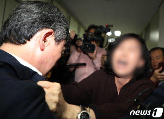실종자 가족 '눈물의 결단'…독도 헬기사고 수색 8일 종료