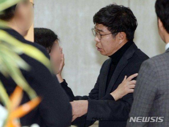 검-경, '백원우 특감반원' 휴대폰 포렌식 합동 진행