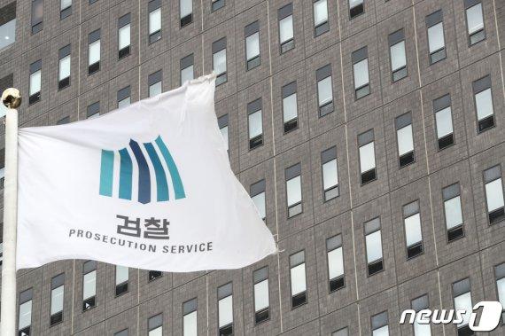 '靑하명수사 의혹' 또다른 '백원우 특감반원' B에 쏠리는 눈