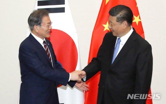 文대통령, 23~24일 '한중일 정상회의' 참석…시진핑·아베 회담 추진(종합)