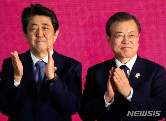 북핵·사드·지소미아…文대통령 '한중일 삼각외교' 난제
