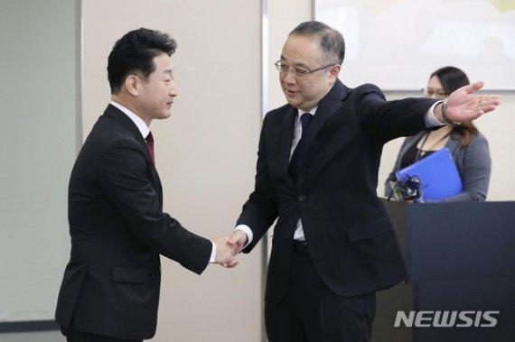"""여야, 일본 수출규제 일부 완화에 """"전면 철회 이끌어내야""""(종합)"""