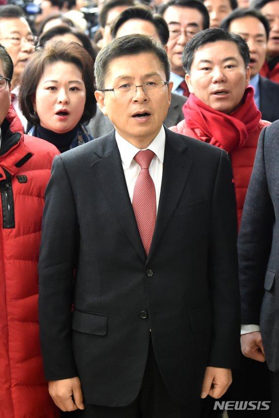 """황교안 """"文 대통령 신년 회견 독선과 오만만 가득"""""""
