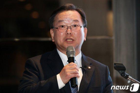 """김부겸 """"대구라서, 광주라서 안되느냐""""…지역주의 타파 호소"""