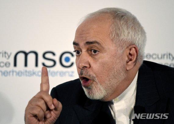 """이란 외무 """"트럼프에게 좋은 조언자 없어""""…정권 붕괴 부인"""
